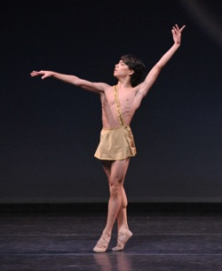 In April 2008, Esteban Hernandez won the gold medal in the junior division at the Youth America Grand Prix International Finals in New York.