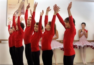 boys-rehearsing-for-the-oregon-ballet-academy-nutcracker-2008