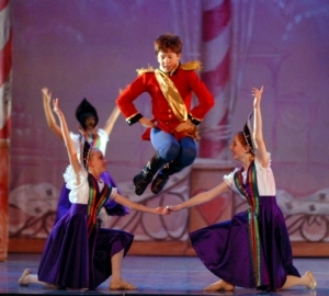 cameron-beene-dances-the-role-of-the-nutcracker-prince-2008