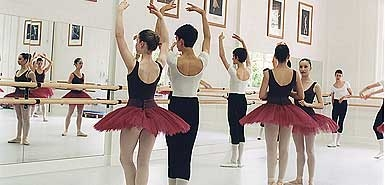 Class at the Royal Ballet School 2009