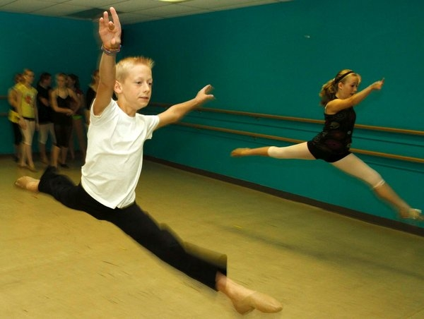 Dance Moves For A Small Class Room