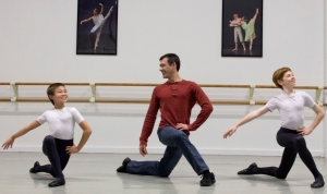 Mr. Saburov coaches aspiring male dancers at CBT