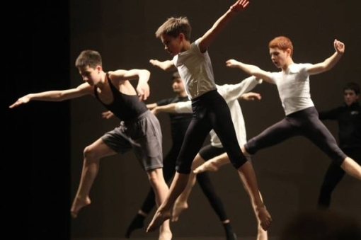 Makani Yerg, 12, participates with other boys in the master class on modern dance on the VMA stage in Providence (photo by Mary Murphy) 2014