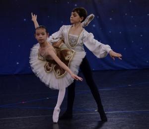 Marat Daukayev Ballet Theatre Spring Performance, Edgar Khachaturov 2011-02