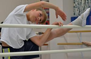 Caleb Ballentine, 12, during a ballet class at the Amherst Ballet (Yoshitaka Hamada) 2014-03