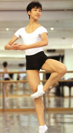 Lam at the Jean M. Wong School of Ballet in 2011