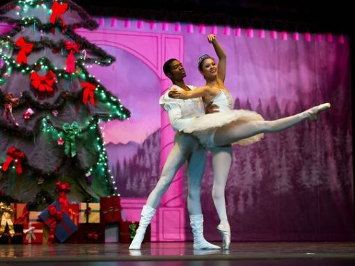 James Applewhite and Alicia Holloway in the Snow Pas De Deux from SNB's Peanutcracker - The Story in a Nutshell. (Mark Rauh, Rauh Photography) 2015